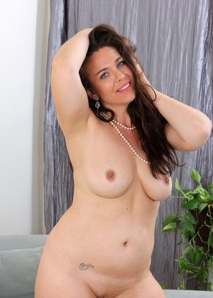 Naked Mature Porn